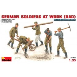 Cod.min35065 GERMAN SOLDIERS AD WORK (RAD) Esc.1/35