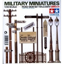 Cod.tam35067 ROAD SIGN SET Esc.1/35