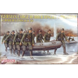 Cod.dra6109 GERMAN LARGE RUBBER DINGHY W/PIONIERE Esc.1/35
