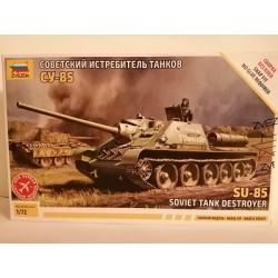 COD. ZVZ5062 SU-85 SELF PROPELLED GUN. ESC 1/72
