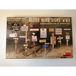 COD. MIN35608 ALLIED ROAD SIGNS WWII. ESC 1/35